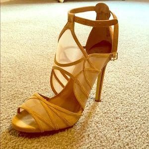 Steve Madden nude heels. Size 9